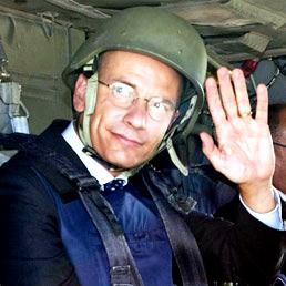 Enrico Letta con il casco